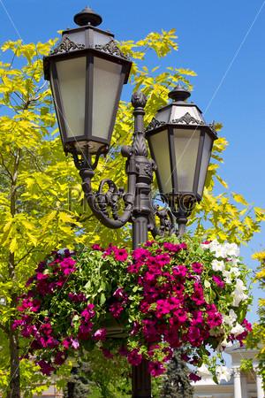 Фотография на тему Старый фонарь в старом городе Одессы, Украина