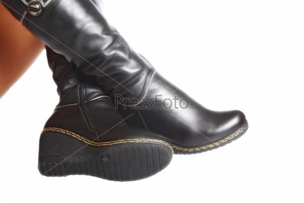 Женские ноги в элегантной обуви