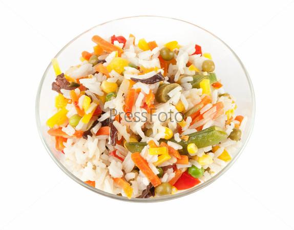 Фотография на тему Рис с овощами, изолированный на белом фоне