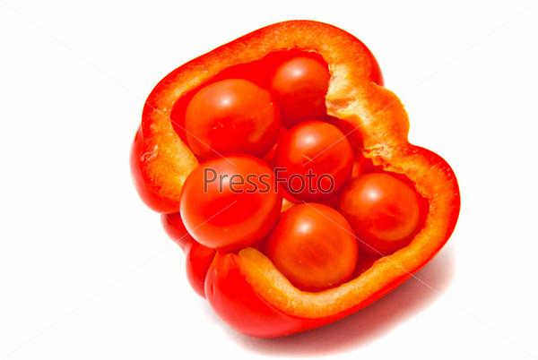Фотография на тему Перец и томаты на белом фоне