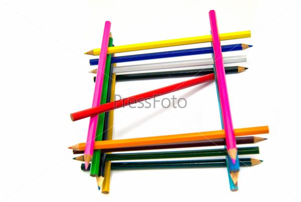 Фотография на тему Цветные карандаши на белом фоне