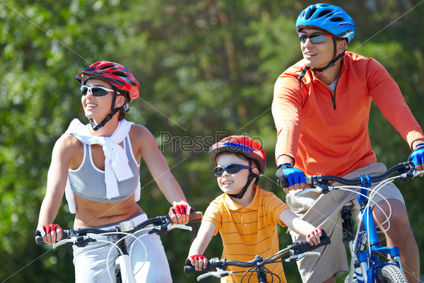 Счастливые велосипедисты