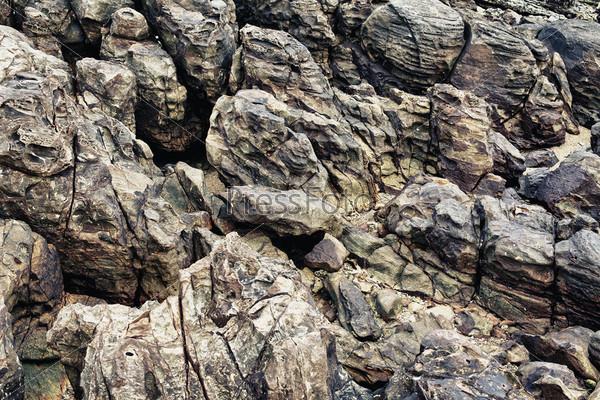 Скальные породы на берегу, Таиланд