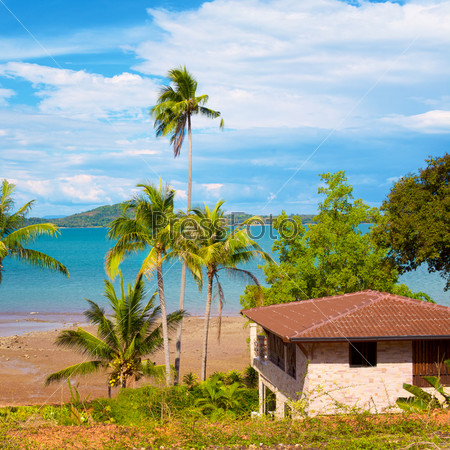 Фотография на тему Курортные бунгало на берегу, Кох Ланта Таиланд
