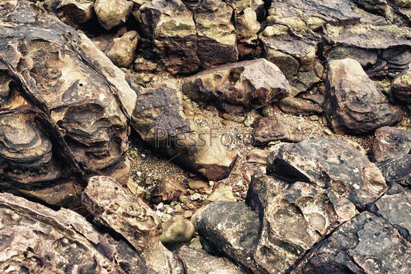 Скальная порода на берегу, Таиланд
