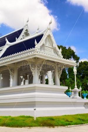Храм Изумрудного Будды в городе Краби, Таиланд