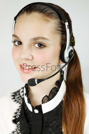 Оператор call-центра, изолированная на белом фоне
