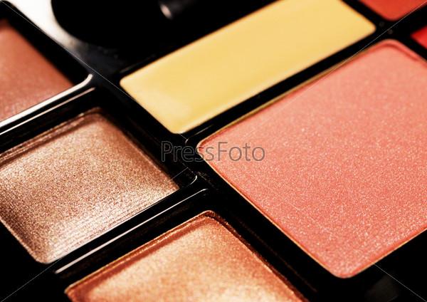 Фотография на тему Набор для макияжа, изолированный на белом фоне