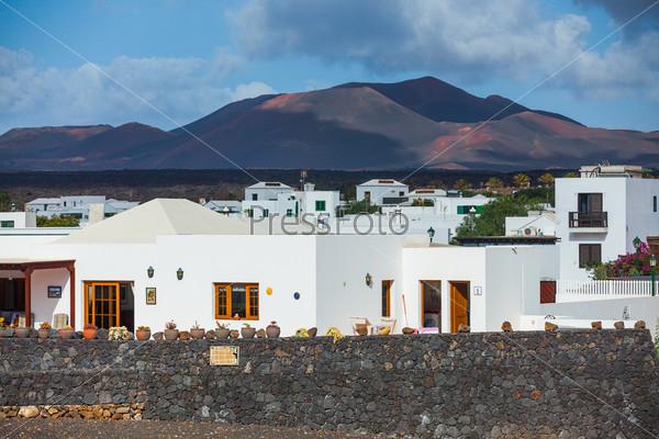 Фотография на тему Типичная загородная вилла. Лансароте, Канарские острова, Испания