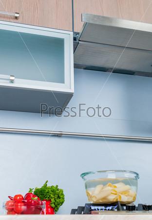 Воздухоочиститель, деталь современной кухни