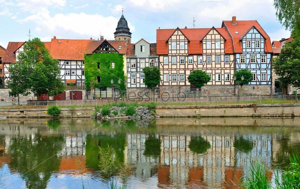 Идиллический город Ханн Мюнден на берегу реки Фульда, известный своей красивой фахверковой архитектурой. Германия