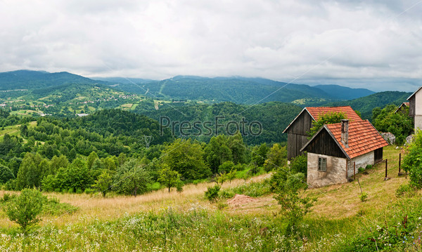 Панорама. Высокие Татры Словакии с домом