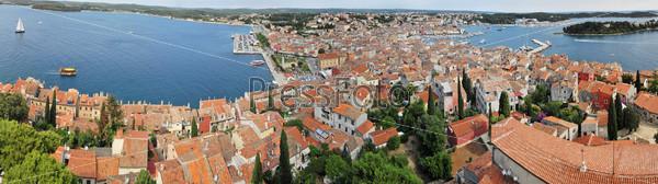 Фотография на тему Панорамный вид на город Ровинь в Хорватии и Далматинское побережье
