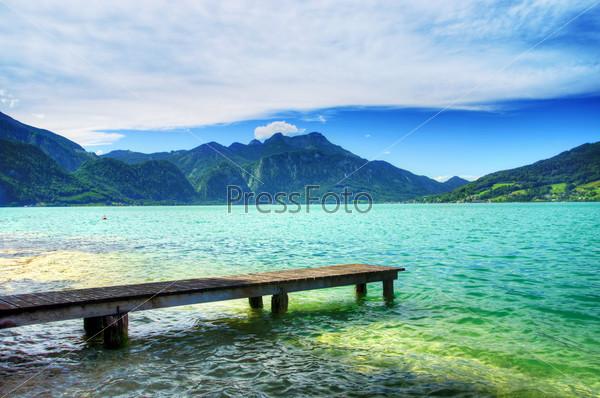 Причал на озере в Зальцкаммергут. Австрия