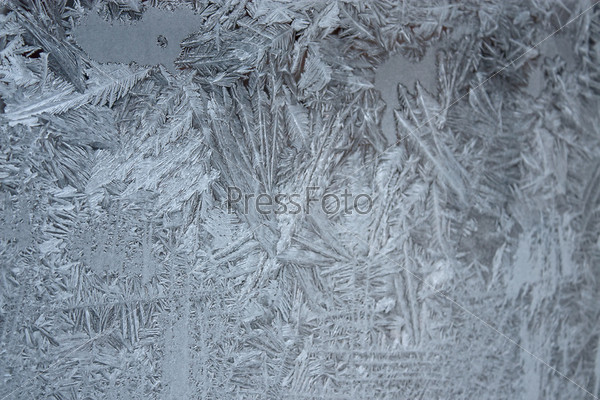 Морозный рисунок на оконном стекле