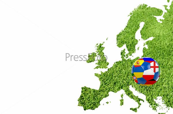 Футбольный мяч с флагами на газоне в форме карты Европы