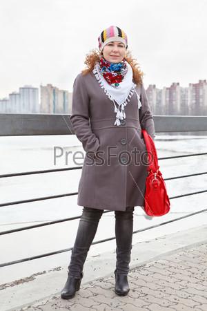 Фотография на тему Девушка на набережной