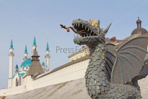 Казанский Кремль и дракон Зилант - символ города. Казань, Республика Татарстан
