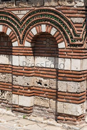 Стена древней христианской церкви в Болгарии
