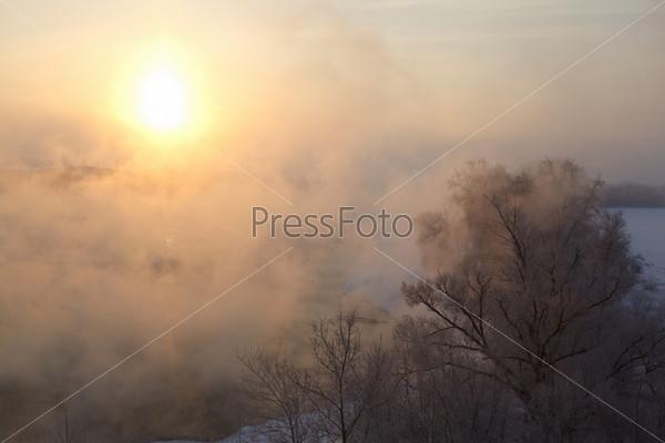 Зимний рассвет на реке Москва