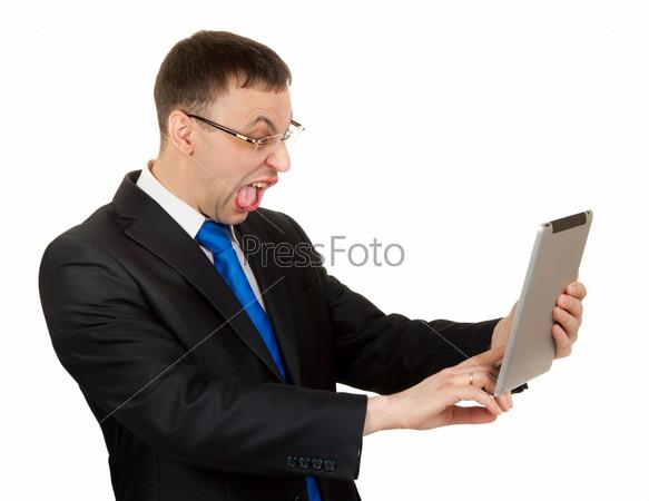 Предприниматель с планшетным компьютером, изолированный на белом фоне