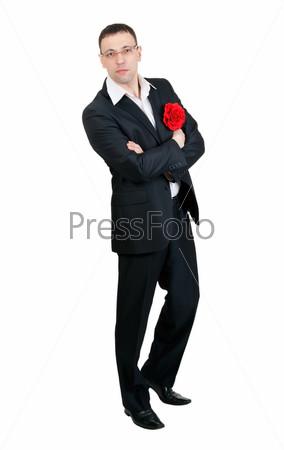 Танцор танго с розой в петлице, изолированный на белом фоне