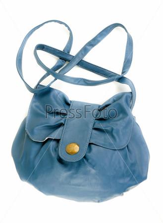 Голубая кожаная женская сумка, изолированная на белом фоне
