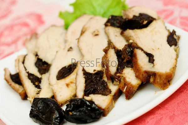 Фотография на тему Мясо, запеченное с черносливом