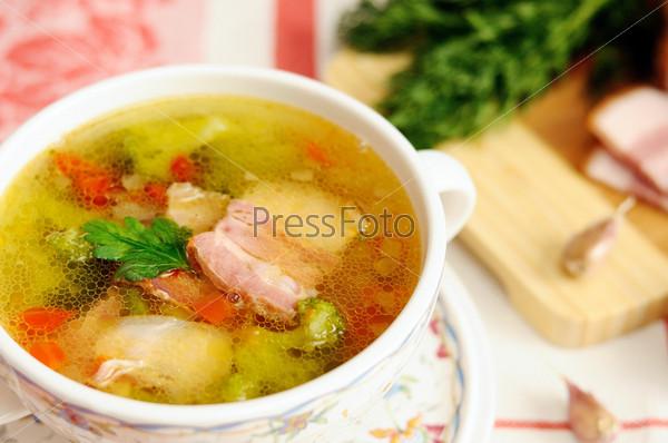 Фотография на тему Итальянский суп с овощами и беконом