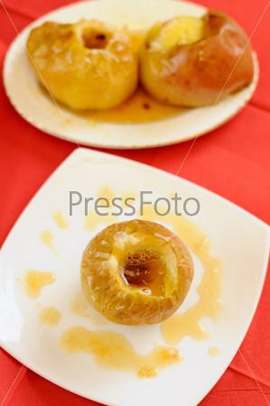 Фотография на тему Запеченные яблоки с медом
