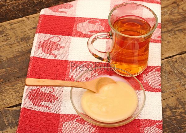 Фотография на тему Кружка чая и мед