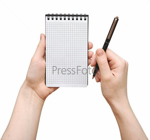 Блокнот с ручкой в руках