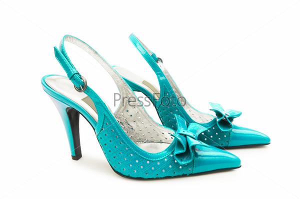 Красивые женские туфли на белом фоне