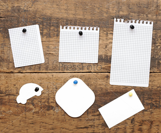 Фотография на тему Листочки бумаги на доске