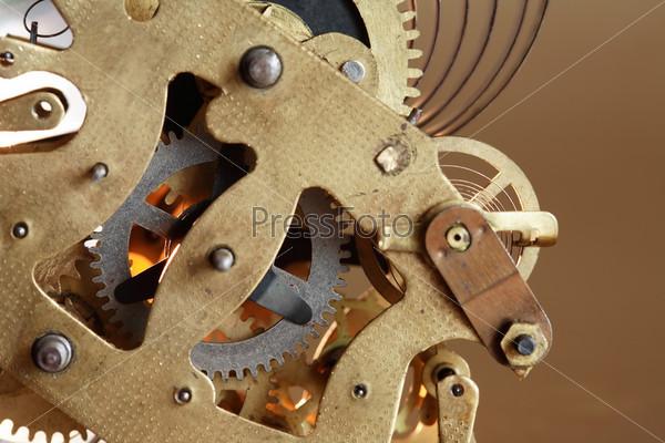 Старый часовой механизм с шестернями