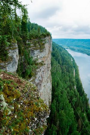 Фотография на тему Вид на реку Вишера со скалы Ветлан. Пермский край. Россия