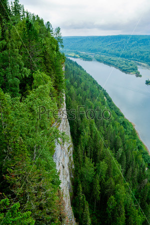 Вид на реку Вишера со скалы Ветлан. Пермский край. Россия
