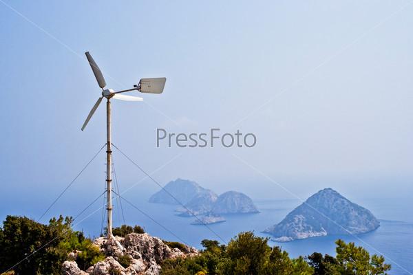 Ветрогенератор на мысе Гелидония. Турция