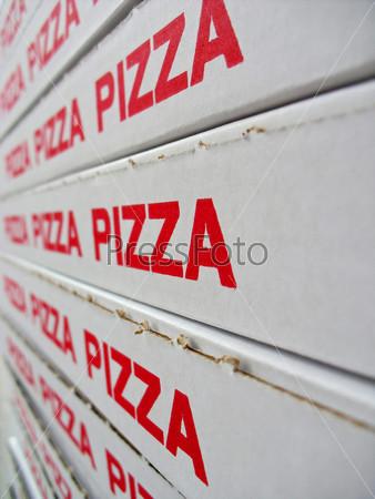 Коробки с пиццей на складе