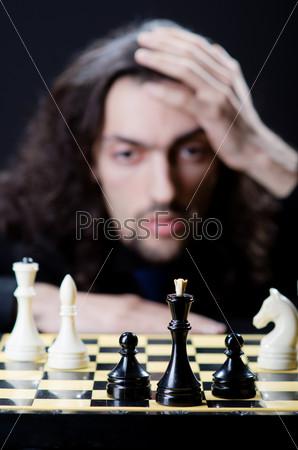 Фотография на тему Шахматист за игрой