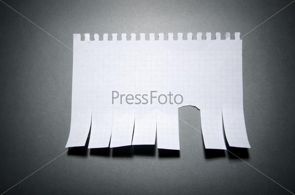 Фотография на тему Отрывное объявление на стене