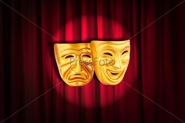 Фотография на тему Театр. Маски на занавесе