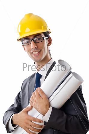Молодой архитектор в каске с чертежами на белом фоне
