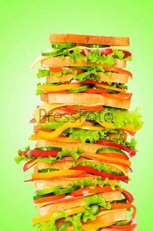 Фотография на тему Гигантский сэндвич на градиентном фоне