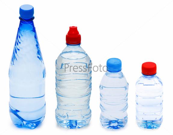 Фотография на тему Бутылки воды, изолированы на белом фоне