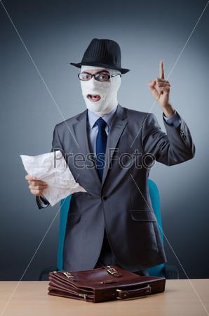 Фотография на тему Человек в медицинских повязках