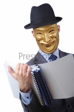 Концепция шпионажа с человеком в маске на белом фоне