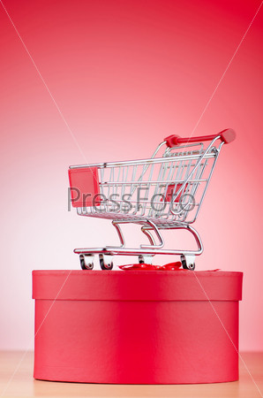 Подарок и корзина для покупок