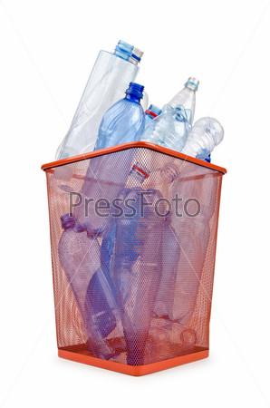 Фотография на тему Пластиковые бутылки в корзине