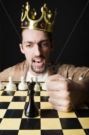 Фотография на тему Молодой араб-шахматист